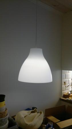 Vi har kjøpt lampe til å ha over kjøkkenbord ....som vi ikke har kjøpt enda, hehe :-P